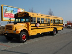 zluty-autobus