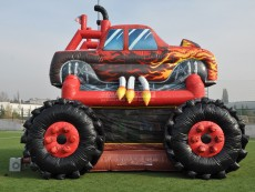 skakaci-hrad-monster-truck