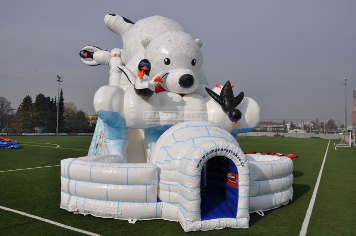 nafukovaci-skluzavka-Ledni-medved